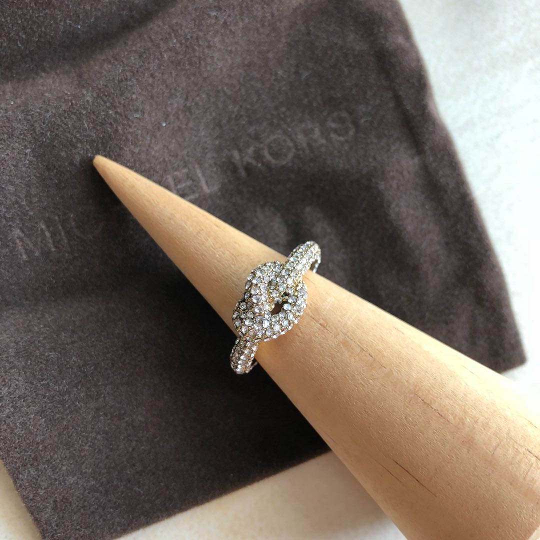 Michael Kors Pave Gold Tone Brilliance Knot Ring Size 6 Women S Fashion Jewellery On Carousell
