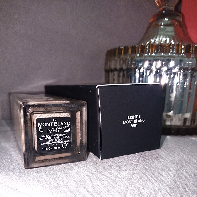 Used once NARS (L2, Mont Blanc) foundation