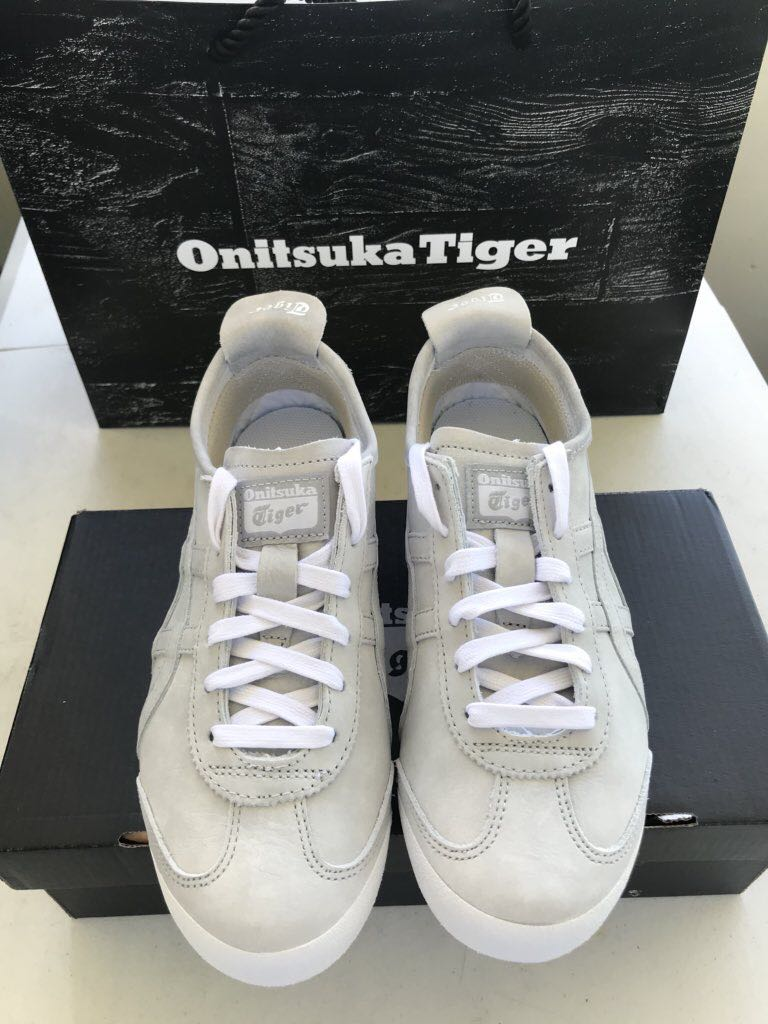 best website 5ddaa 6110d Onitsuka Mexico 66 Shoes on Carousell