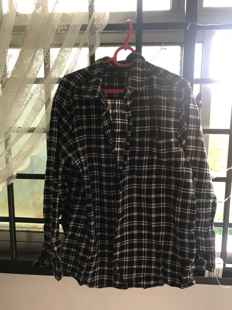5ec096fb1757f Uniqlo Flannel Shirt, Women's Fashion, Clothes, Tops on Carousell