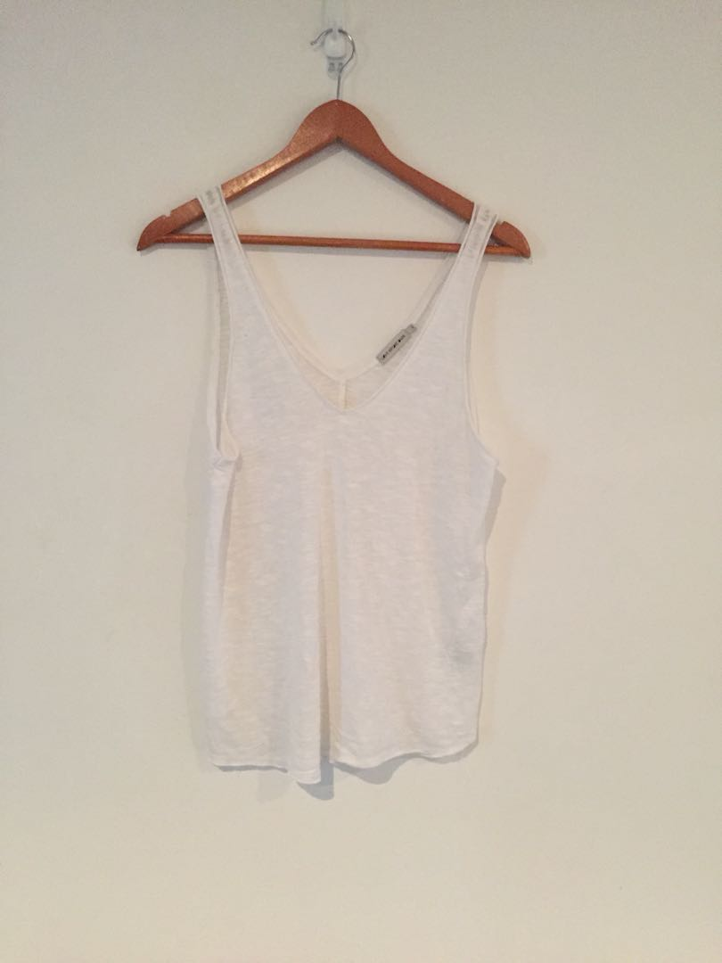 Urban outfitters vneck tank
