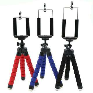 Black tripod RS