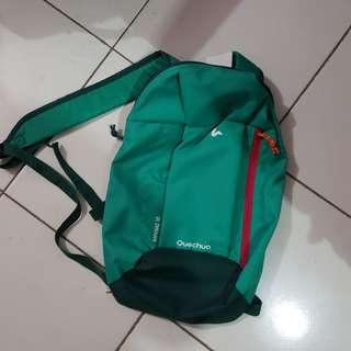 Quenchua green bag