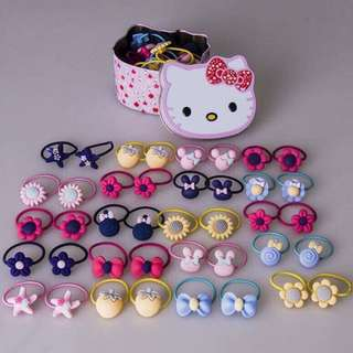 Hello Kitty Can With 30 pcs Pony Tail