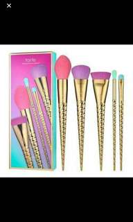 Brand New 100%authentic tarte limited ed brush set