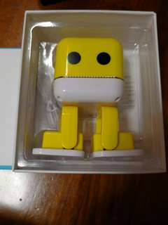 F-666 Electronic Smart Robot Yellow Bluetooth Wireless Speaker With Dance Music Colorful LED Lights Mini Outdoor/Indoor