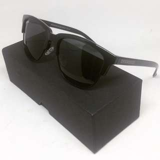 Hawkers Co. All Black Dark Classics