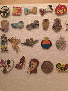 迪士尼襟章 迪士尼徽章 Disney pins for sale and trade