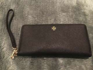 Tory Burch York Zip Passport Wallet / Dompet