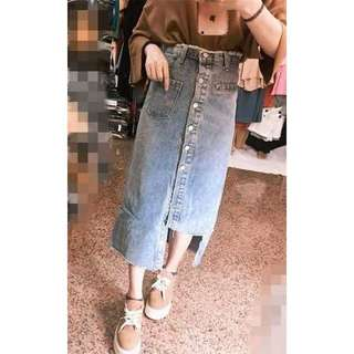 🚚 現貨當天出貨韓版全排扣不規則下襬牛仔裙