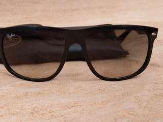 🚚 雷朋太陽眼鏡