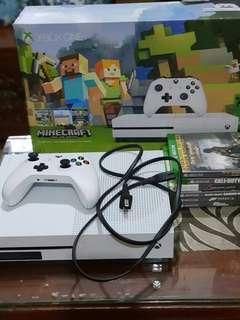 Xbox one plus 6 cd games