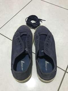 Sepatu League Biru