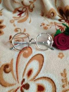 Kacamata anak lucu