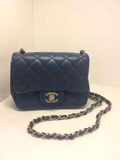 正品 全新 Chanel Mini Flap 小方胖子深藍色香檳金扣斜揹袋