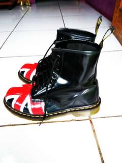 Dr Martens 1460 (8hole) Union Jack size 8uk/42eur Made In Thailand