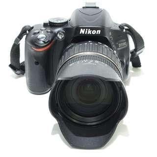 Nikon D5100 with Tamron 18-200mm f3.5-6.3 Macro Di II Lens