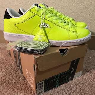 Nike X Supreme Tennis Classic