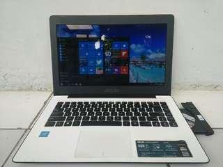 Laptop Asus X453SA Intel Skylike N3050 Ram 2Gb Seri Baru , Masih Grees & Mulus