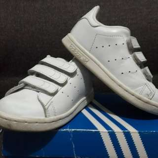 Branded pre loved Stan Smith for toddler