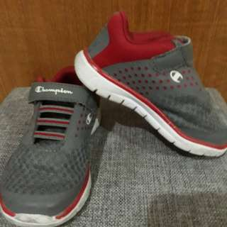 Pre loved original Champion sneakers for boys