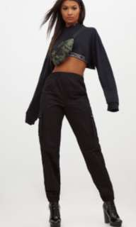 (PRETTYLITTLETHING) brand new never worn tags still on!! Black cargo pants