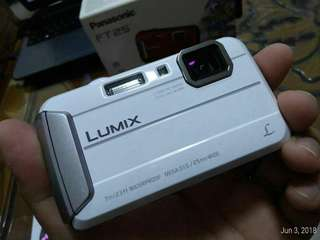 Lumix ft25 Camera
