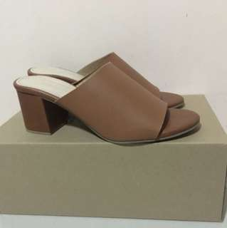 Suki - Brown Mules