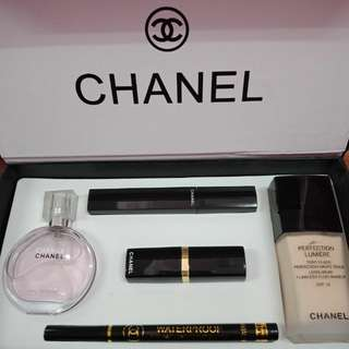 Chanel Gift Set makeup