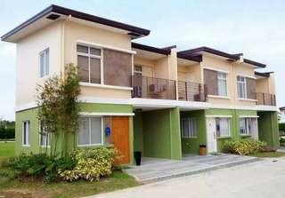 4 bedroom townhouse fully finiahed with balcony and carport