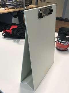 Standing clipboard