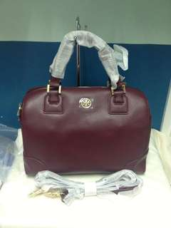 Authentic  Tory Burch Robinson Satchel