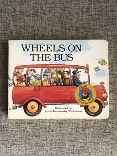 Wheels On The Bus board book