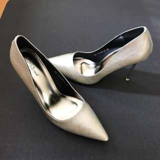 🆕Something Borrowed Pointed Toe Pump Heel