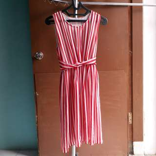 short dress merah selutut