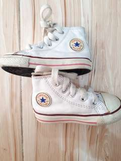Converse baby shoes❤