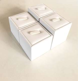 Set of 4 Ring Display Holders - White