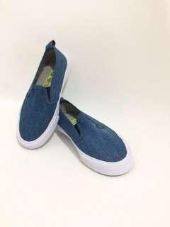 Sepatu cotton on kids