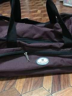 traveling bag / luggage bag