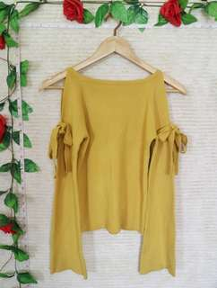 ⚡MUSTARD YELLOW COLD SHOULDER LONG SLEEVES KNITTED TOP⚡