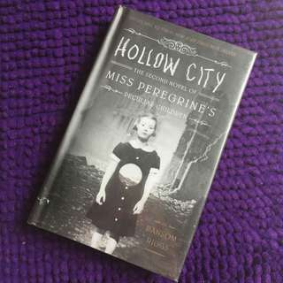 Hollow City by Ransom Riggs hardbound