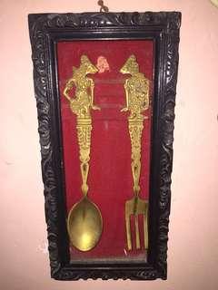 Sendok dan garpu antik