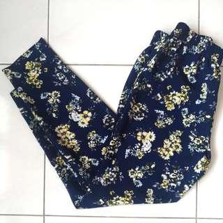 UNIQLO Floral Pants size S