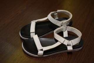 Sepatu sandal (Teva lookalike)