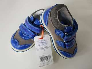 Toddler Shose from Mothercare postage are include