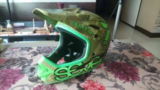 7IDP helmet (Green Camo Colour)