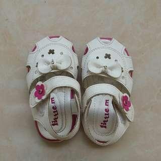 Preloved sandal little m