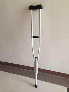 Crutches/ saklay