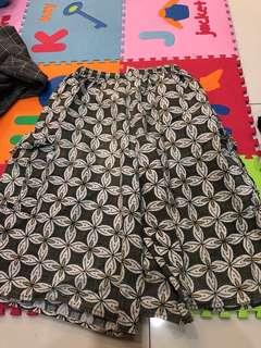 Celana batik karet nyantei