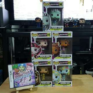 Funko pop Monster High set with ds game